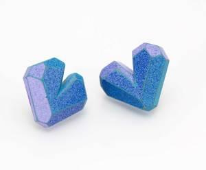 Moda Trap. Pendientes-madera de colores- plata-gemas de madera. earrings- silver-gems-wood. Corazón azul