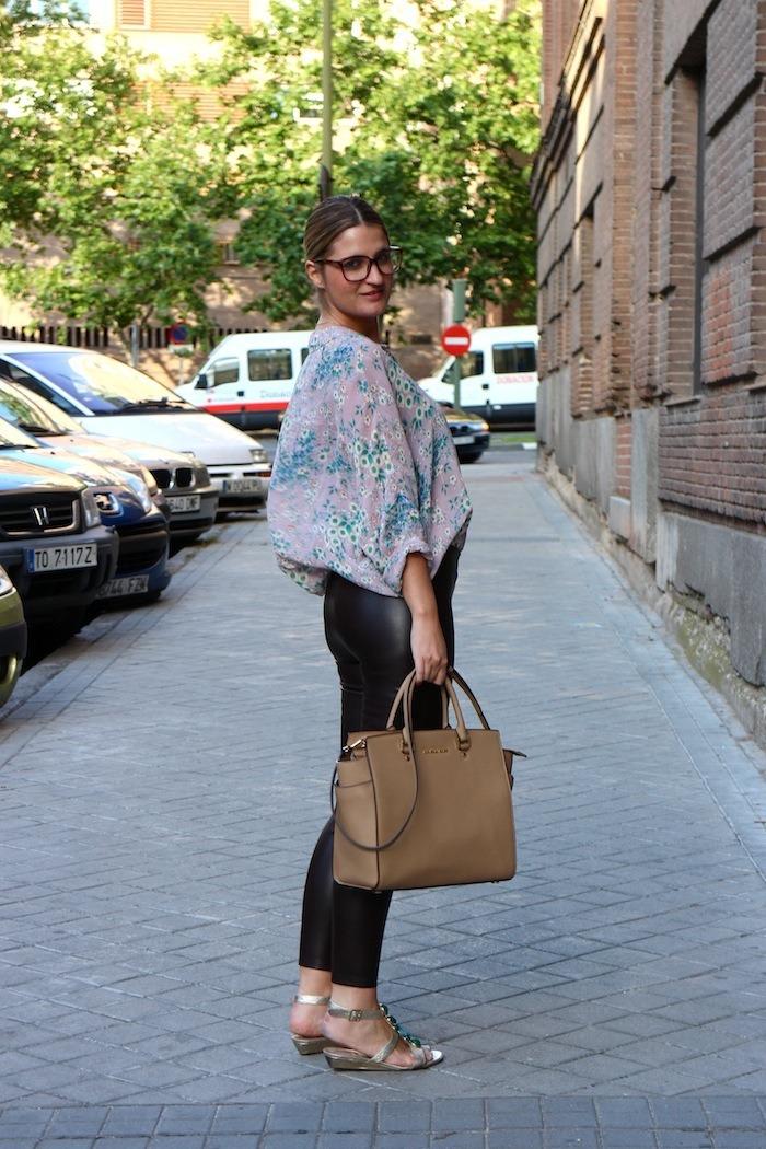 flower shirt topshop leather pants amaras la moda 3
