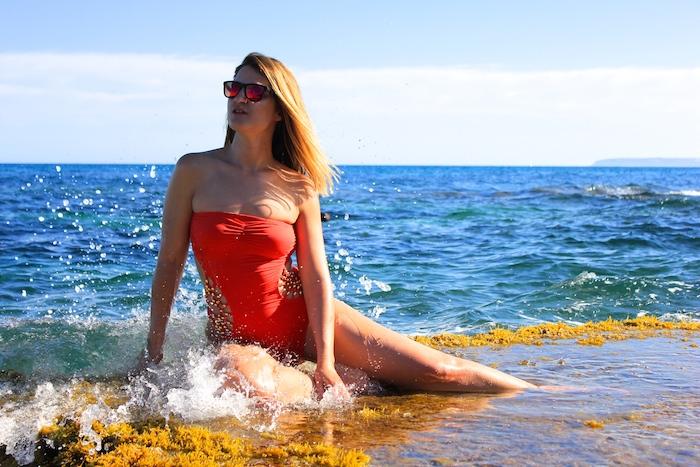 Dolores Cortés trikini coral Amarás la moda  5