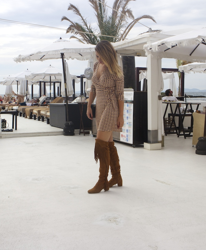 justfab dress amaras la moda zara boots chanel bag Puro Beach Palma de Mallorca Paula Fraile 5