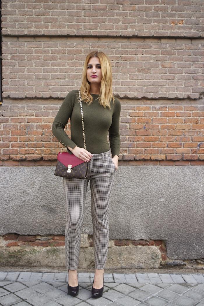 louis vuitton bag zara pants amaras la moda Paula Fraile