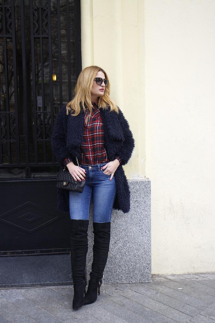 Paula Fraile amaras la moda over the knee boots la redoute shirt chanel bag.2