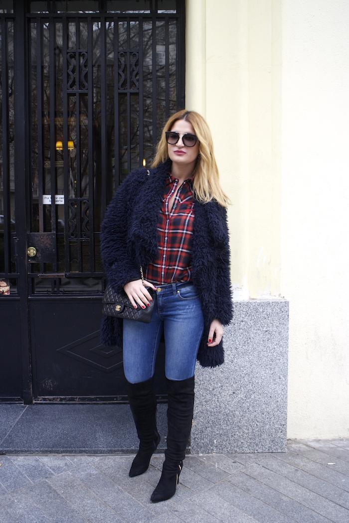 Paula Fraile amaras la moda over the knee boots la redoute shirt chanel bag.3