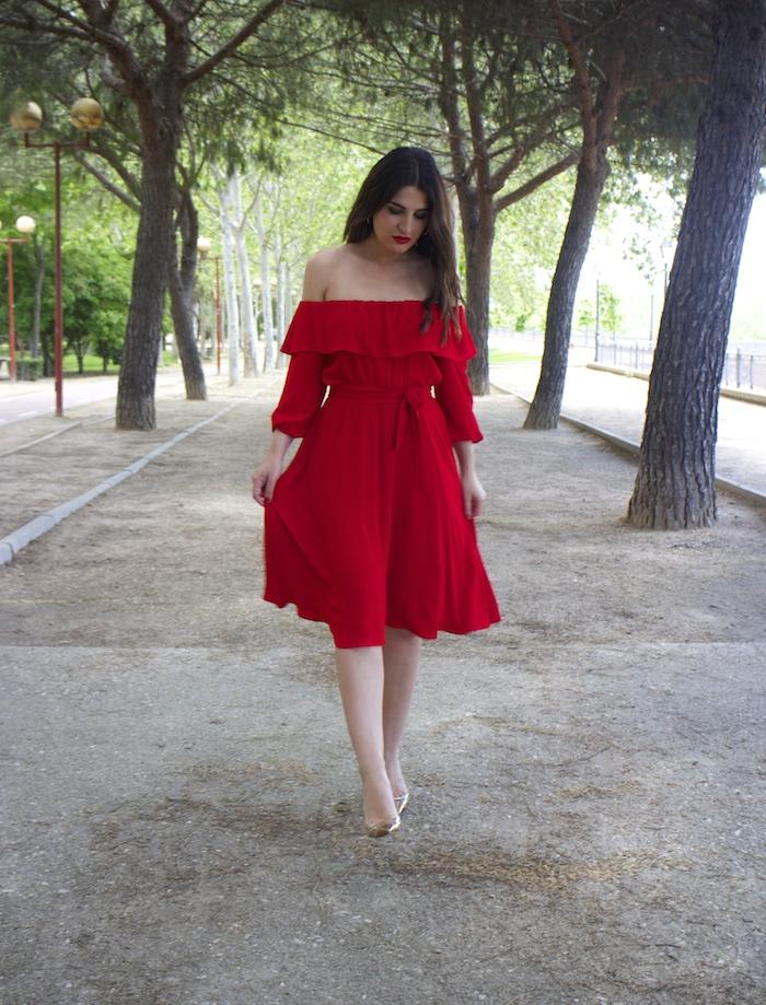 tintoretto mujer amaras la moda vestido rojo escote brigitte paula fraile stiletto sergio rossi