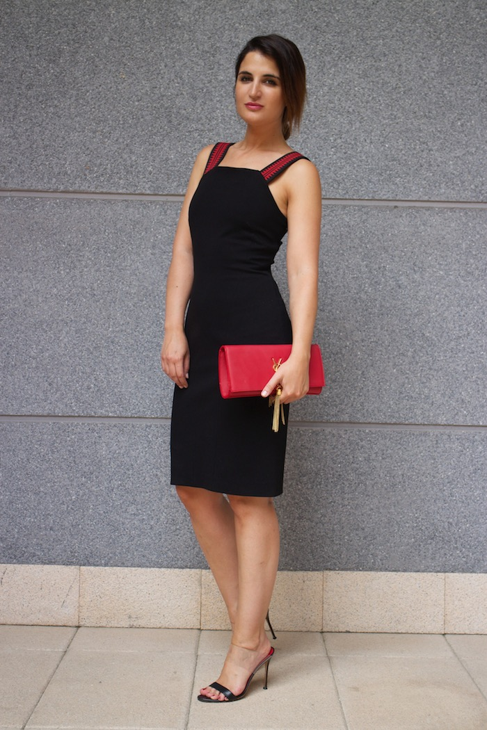 versace dress amaras la moda back carolina herrera heels yves saint laurent bag.11
