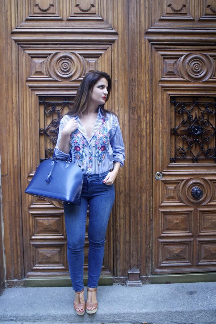 louis-vuitton-bag-alma-jbrand-jeans-zara-shirt-flores-bordadas-amaras-la-moda-paula-fraile-6