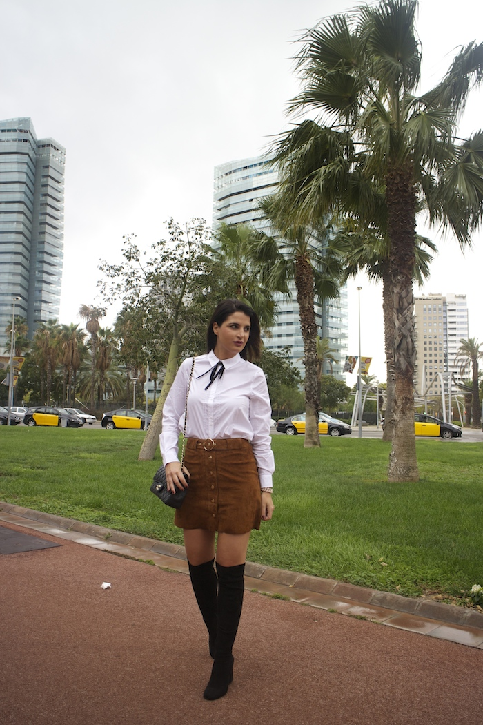 barcelona-embajadora-pulseras-the-rubz-over-the-knee-boots-camisa-la-redoute-amaras-la-moda-paula-fraile7