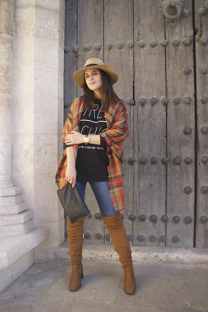 embajadora-henry-london-look-jeans-pasmina-cuadros-paula-fraile-amaras-la-moda