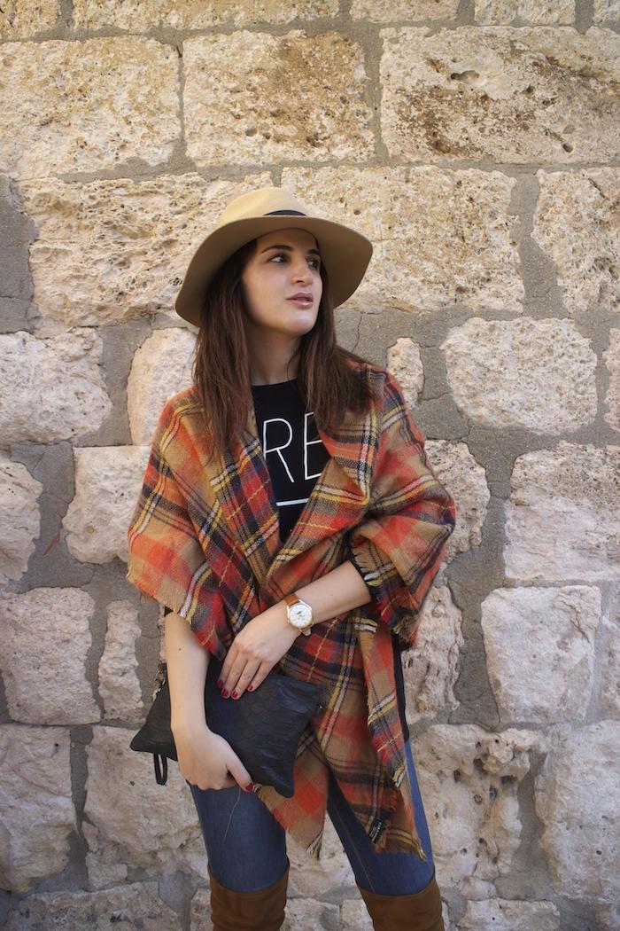 embajadora-henry-london-look-jeans-pasmina-cuadros-paula-fraile-amaras-la-moda4