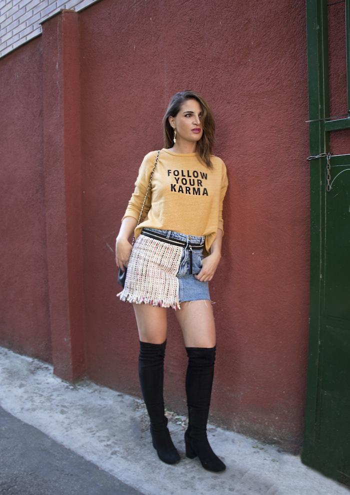 follow your karma sudadera zara falda denim tweed pendientes tiahra madrid paula fraile amaras la moda10
