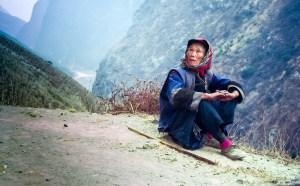 Elderly traveller, Tiger Leaping Gorge