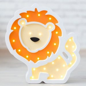 With a charming design, the Lion Wooden Night Light provides a reassuring glow for your little one, making it perfect for a nursery or kids room nightlight, or an interesting addition to any other space.