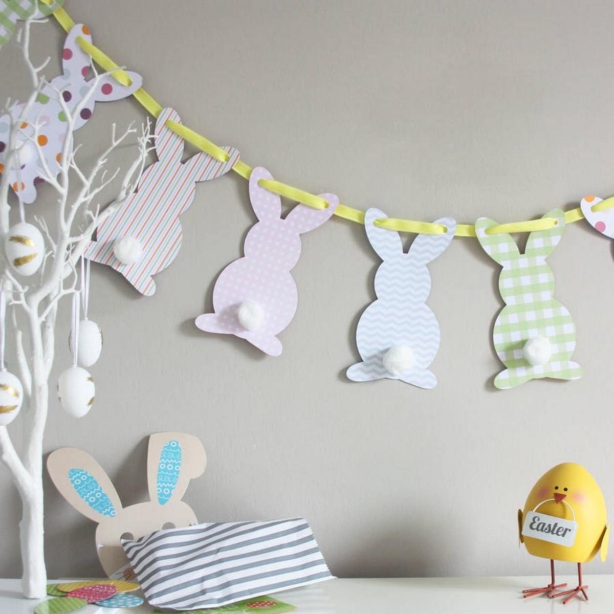 We can't imagine celebrating Easter without one or two of those little critters. So if you also want to decorate your home with Easter rabbits, take your pick from this list.