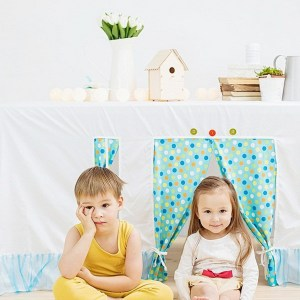Perfect for any gathering whether it be an early morning breakfast, casual brunch or special occasion, the Polka Dots Tablecloth Playhouse will seduce the youngest and stimulate storytelling and adventure.