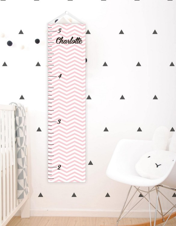 A perfect way to keep track of your little one's growth, the Light Pink Chevron Personalised Baby Growth Chart will brighten up any child's bedroom as well as provide a fun way to measure height.