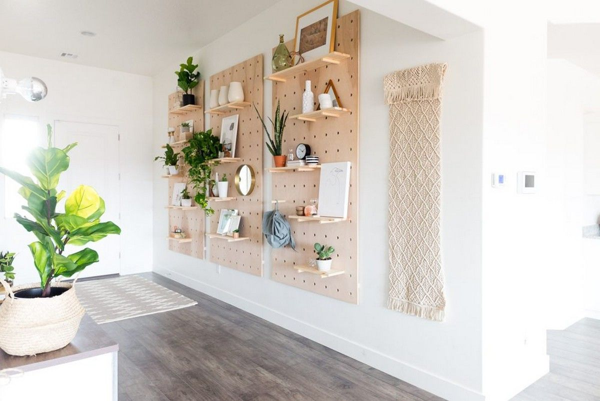 """Looking for easy DIY wall decor ideas? We've rounded up the best DIY wall art that anyone can master. Before you hit """"add to cart"""" on that overpriced canvas, you need to check this list."""