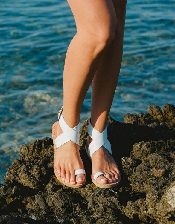 Just what every summer wardrobe needs, the Dione Greek Leather Sandal is every woman's dream pair, super comfy and elegant, and easily combined with any outfit.