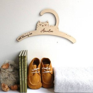 A sweet way to hang your baby clothes or to use as an everyday storage solution, the Little Cat Baby Coat Hanger adds a touch of elegance to your wardrobe or downstairs coat closet.