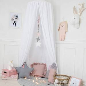 A super cosy retreat, the Baldachin Snow White Children's Bed Canopy create a fun fairytale-like environment in your child's bedroom.