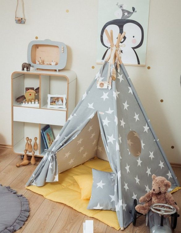 Let your little ones create their own little world with the Large Stars Children's Teepee Set with Yellow Mat. It creates the perfect setting for imaginative role play providing endless hours of fun.