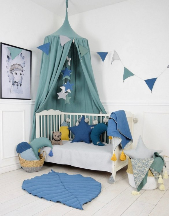 A super cosy retreat, the Baldachin Sage Green Children's Bed Canopy create a fun fairytale-like environment in your child's bedroom.