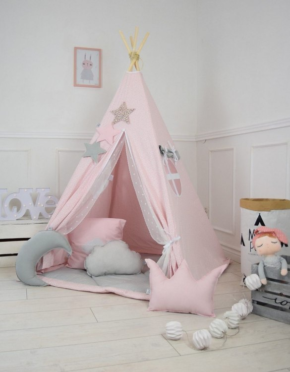 A perfect hideaway for tiny people, the Cotton Candy Children's Teepee Tent gives your little one the space they need to let their imagination flow.