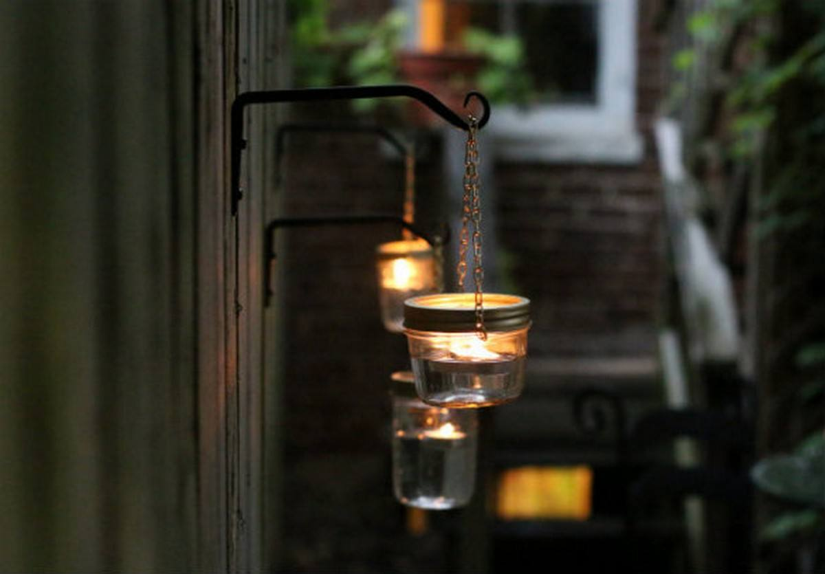 Lighting is always important in any space that you spend a lot of time in, but we find that most people we know forget how crucial lighting can be outside their home, as well as inside.