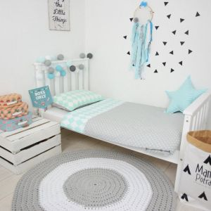 Add fun and style to your little one's bedroom with the Mint IceCream Baby Crib Bedding Set. This charming children's bedding set is a great choice for a contemporary themed nursery or children's room.