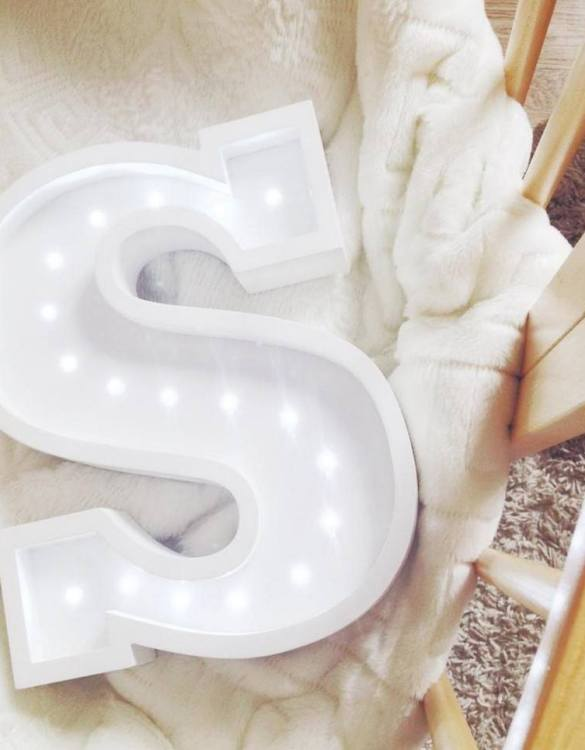Certain to be a favourite in any family home the Letter S Marquee Light Sign creates a talking point which catches attention and expresses your passion for stand out design. Perfect for anyone who enjoys something a little different.