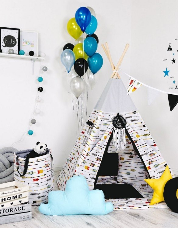 Give your little one the space they need to let their imagination flow with the Child's Teepee Set Adventure Hunting. This handcrafted children's teepee tent is a versatile play space which is as beautiful as it is fun.