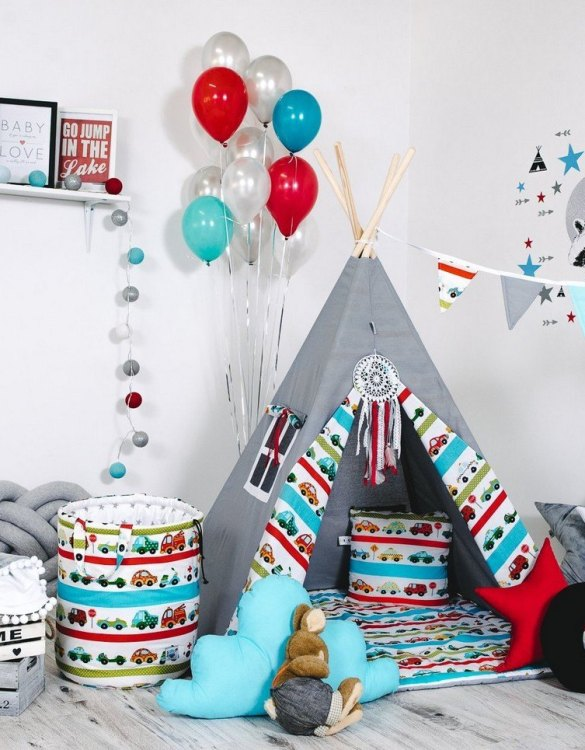 Give your little one the space they need to let their imagination flow with the Child's Teepee Set Car Race. This handcrafted children's teepee tent is a versatile play space which is as beautiful as it is fun.