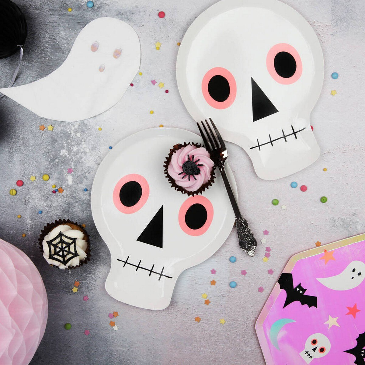 Skulls are totally traditional for Halloween and can be seen everywhere before, during and after it, plus many of use go for such decor in other time, too. Usual skulls are boring but what if you make it unusual?