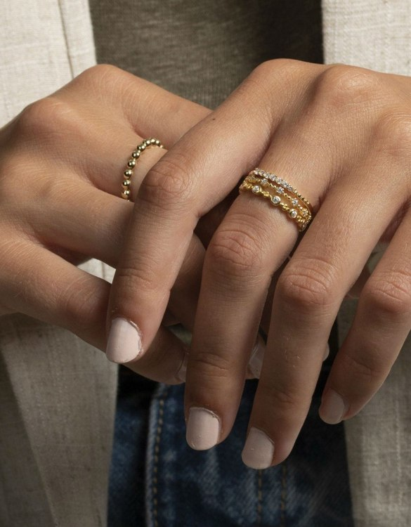 A truly luxurious gift for a friend, or a special treat for yourself, the Belagio Gold Ring is a cool way to show a little love. It would be a perfect anniversary, Christmas or birthday gift.
