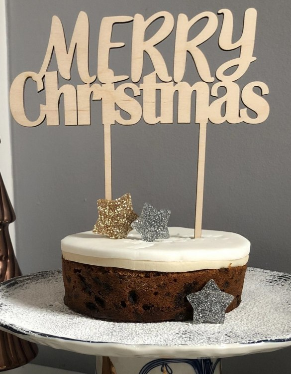 A classy accessory for wedding cakes and engagement cakes, the Merry Christmas Cake Topper is a colourful, fun and super sparkly cake topper to brighten any cake! Perfect for kids and adults of all ages, pride parties and... well...who needs an excuse?