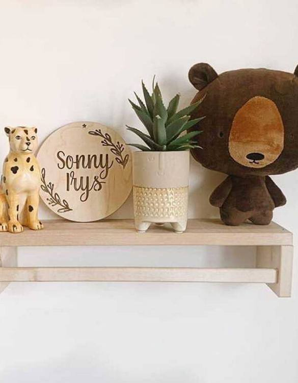 Featuring an intricately engraved design, the Personalised Name Berry Plaque is the perfect accessory for a child's nursery or bedroom as well as being a thoughtful gift.
