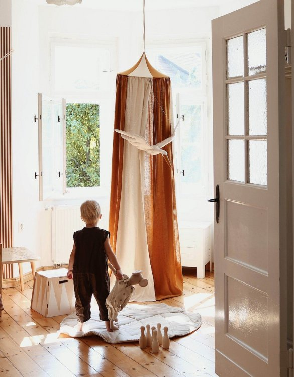 Create a safe fairytale-like environment for little ones with the Circus Children's Bed Canopy. This canopy will suspend neatly above your child's bed or in the corner of room decoration for a baby, to create the perfect space for reading and playing.