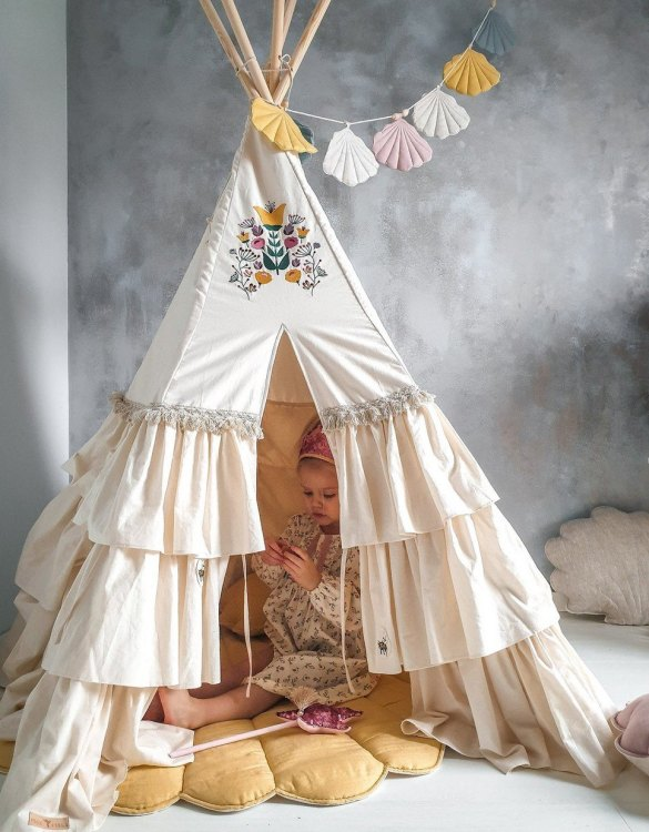 A beautifully handcrafted playtent for little adventurers, the Folk Children's Play Teepee is a versatile play space which is as beautiful as it is fun. Younger children will enjoy playing camp, hosting a tea party and allowing their imagination to run free (a shop one day a space rocket the next!).