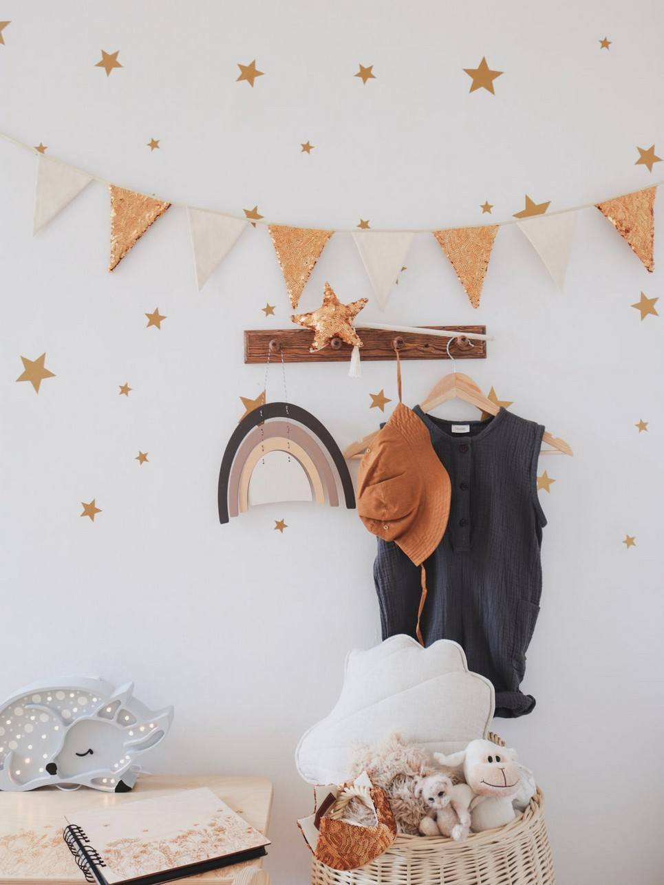 Gold and Beige Pennant Sequins Garland