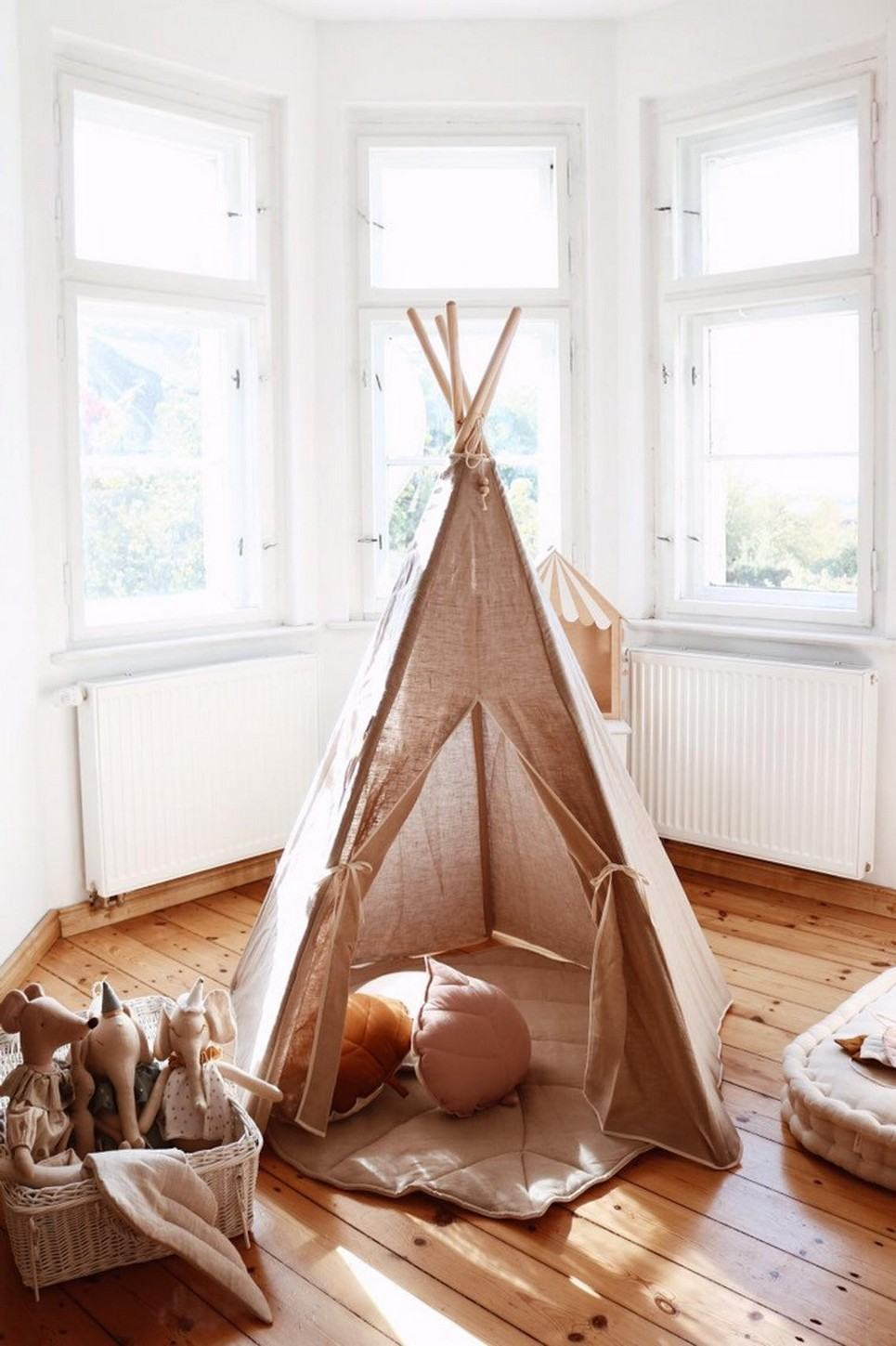 Natural Linen Children's Play Teepee