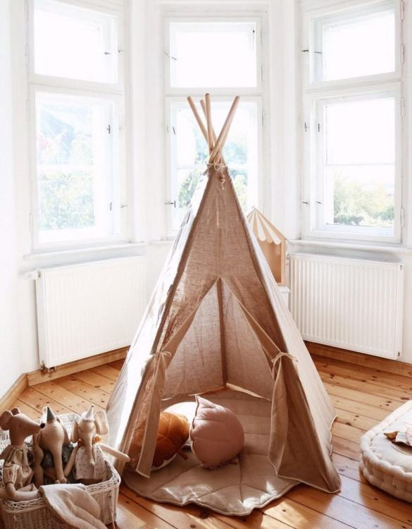A beautifully handcrafted playtent for little adventurers, the Natural Linen Children's Play Teepee is a versatile play space which is as beautiful as it is fun. Younger children will enjoy playing camp, hosting a tea party and allowing their imagination to run free (a shop one day a space rocket the next!).