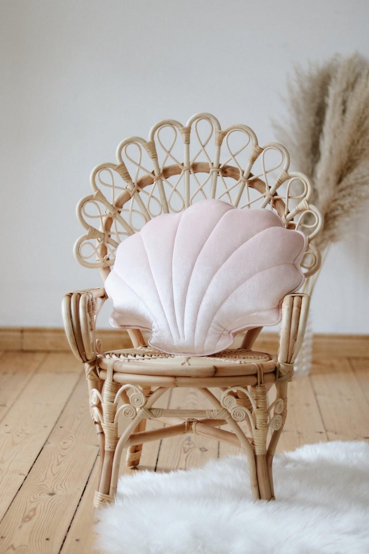 Pink Pearl Velvet Shell Cushion