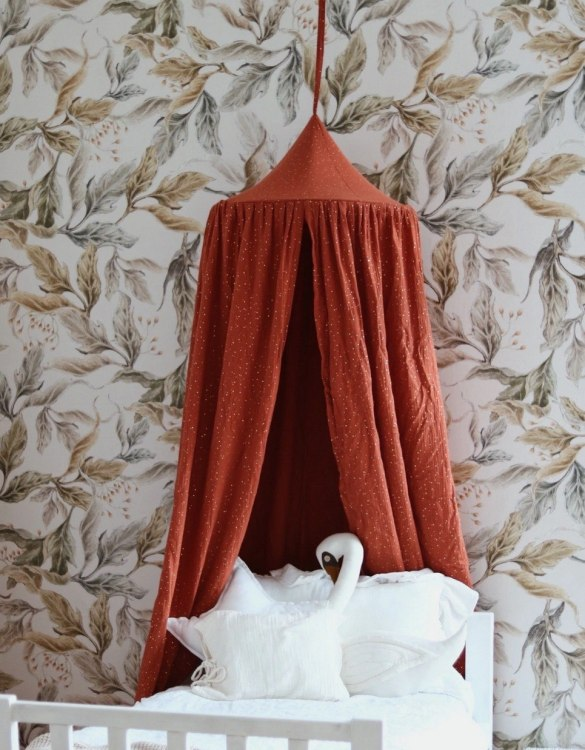 Create a safe fairytale-like environment for little ones with the Red Fox Children's Bed Canopy. This canopy will suspend neatly above your child's bed or in the corner of room decoration for a baby, to create the perfect space for reading and playing.