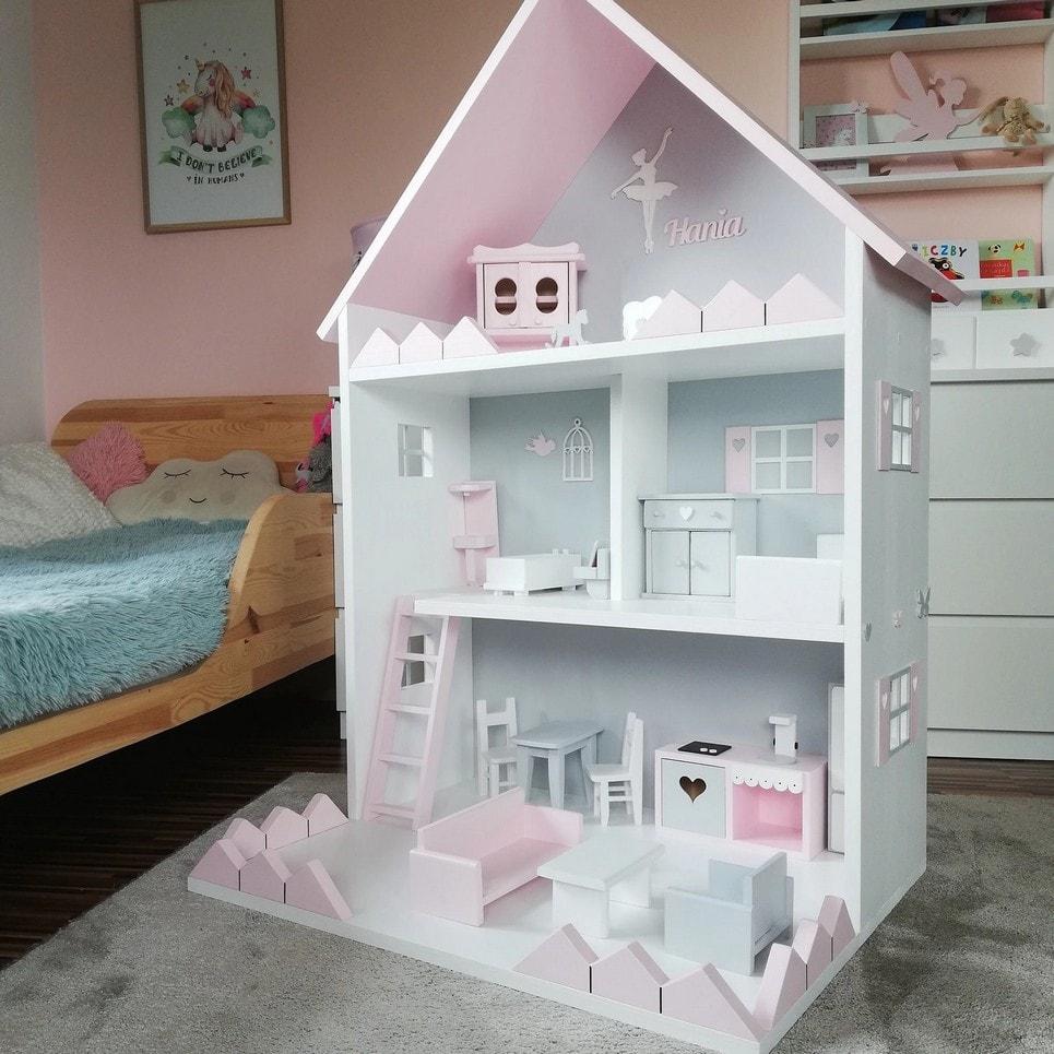 Doll's House Vicky-min