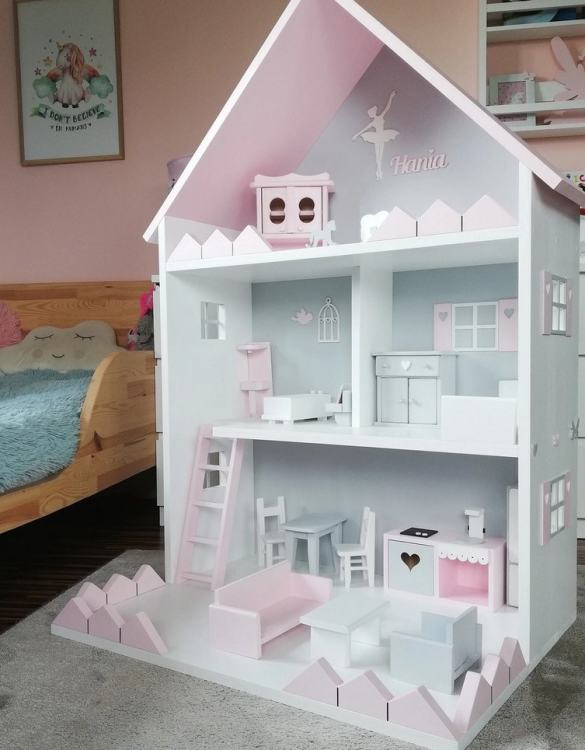 Created for encouraging imaginative play, the Personalised Doll's House Vicky is the perfect new home for your doll and their friends. A lovely Christmas gift for a child age 3+ and an ideal 3rd birthday present.