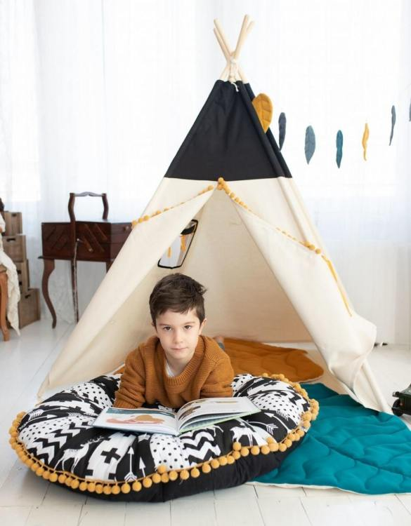 Watch your children create their own adventures with Honey Children's Play Teepee! Every little adventure needs their own space to let their imaginations run wild and this kids play tent is just perfect.