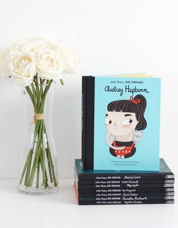 A great gift book for young people, the Little People, Big Dreams: Audrey Hepburn Children's Book will be a joy a read and keep as a personal and lasting record of time spent with friends both in and out of school.