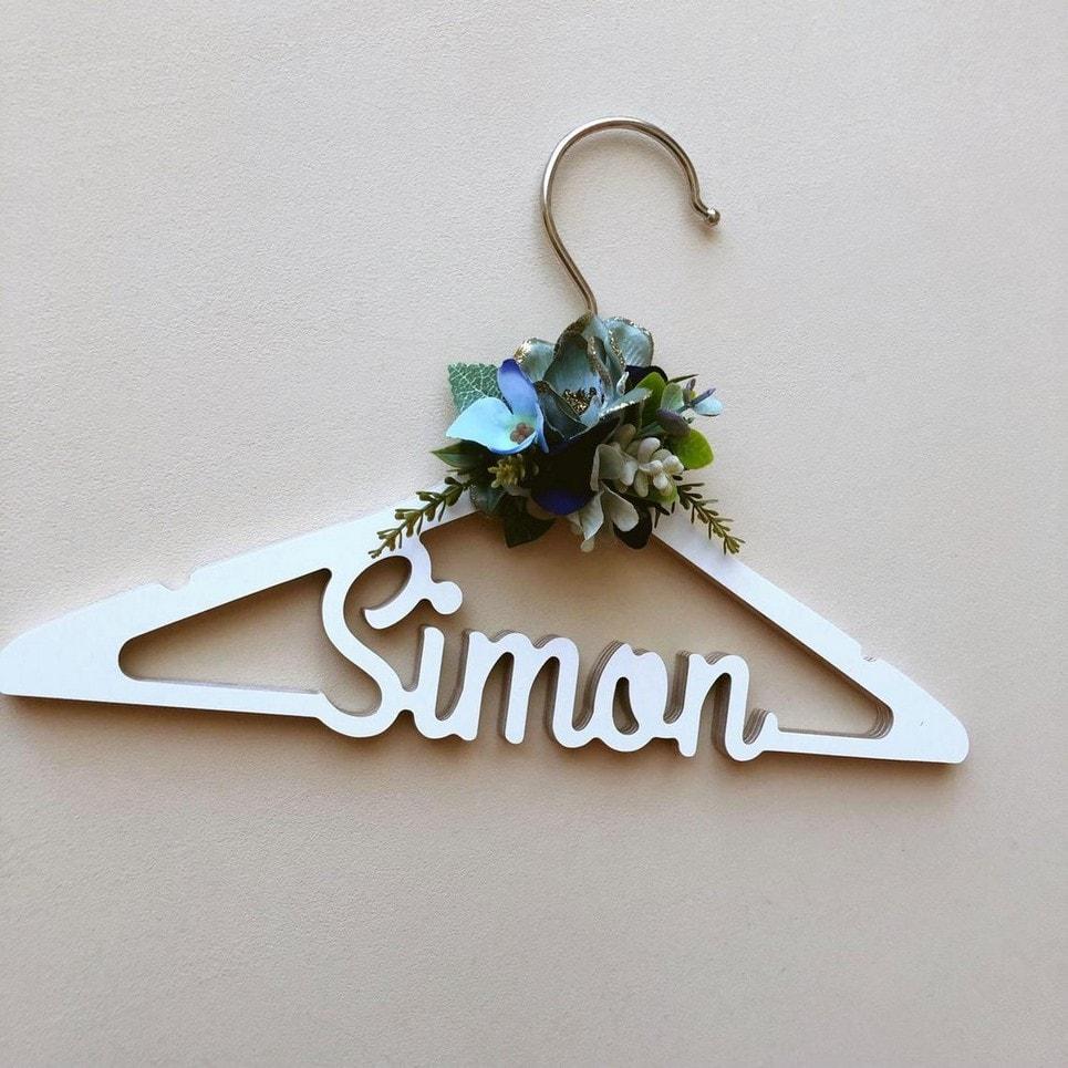 Personalised Flower Children Clothes Hanger-min