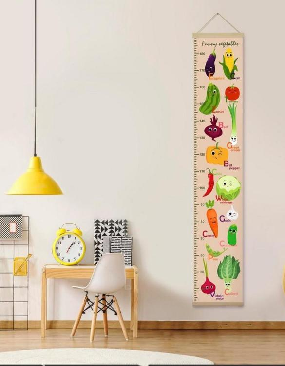 How high are your little creatures? Chart your child's growth development with the Personalised Funny Vegetables Child Growth Chart. This personalised growth chart will look perfect in your children's bedroom, nursery or playroom.
