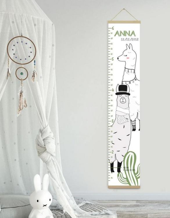 How high are your little creatures? Chart your child's growth development with the Personalised Lama Child Growth Chart. This personalised growth chart will look perfect in your children's bedroom, nursery or playroom.