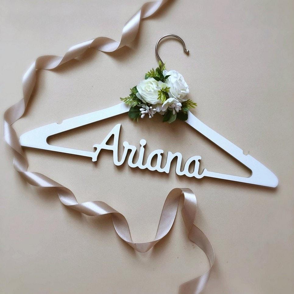 Personalised Wedding Dress Hanger-min